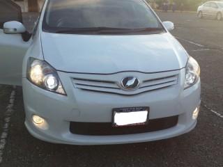 '11 Toyota Auris for sale in Jamaica