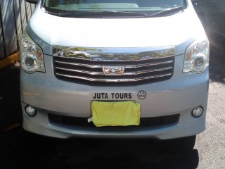 2011 Toyota Noah for sale in Westmoreland, Jamaica