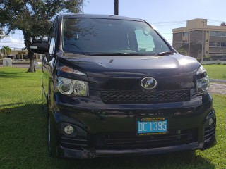 2011 Toyota Voxy Wheelchair Facility for sale in Kingston / St. Andrew, Jamaica