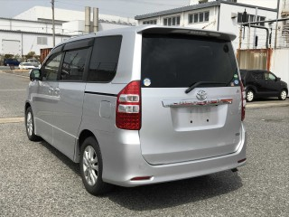 2012 Toyota Noah  si for sale in Kingston / St. Andrew, Jamaica