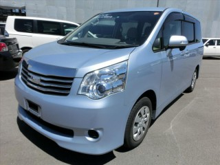 2013 Toyota Noah for sale in Jamaica
