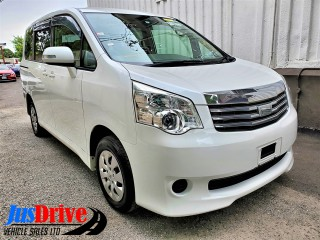 2011 Toyota Noah for sale in Kingston / St. Andrew, Jamaica