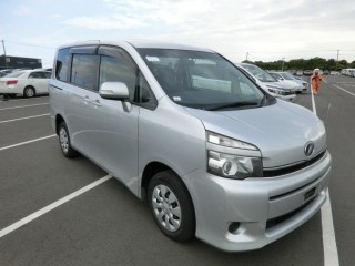 2010 Toyota Voxy New Import for sale in Kingston / St. Andrew, Jamaica