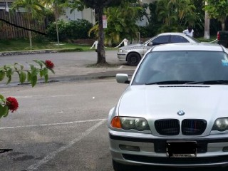 '00 BMW 389 for sale in Jamaica