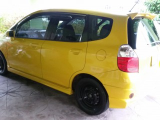 '07 Honda Fit for sale in Jamaica