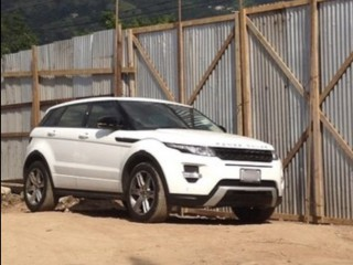 '12 Land Rover Range for sale in Jamaica