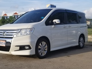 '11 Honda Stepwagon for sale in Jamaica