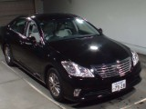 '12 Toyota Crown for sale in Jamaica