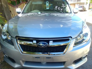 2014 Subaru legacy for sale in St. Catherine,