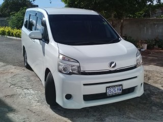 2013 Toyota Voxy for sale in St. Elizabeth, Jamaica