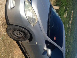 '06 Nissan Tiida for sale in Jamaica