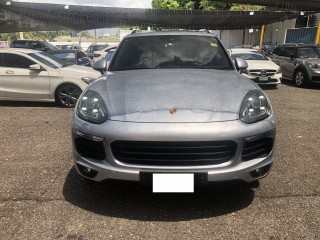 2018 Porsche CAYENNE PLATINUM for sale in Kingston / St. Andrew,