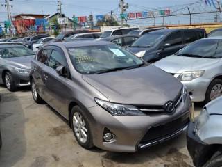 '13 Toyota AURIS for sale in Jamaica