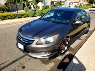 '10 Honda Accord for sale in Jamaica