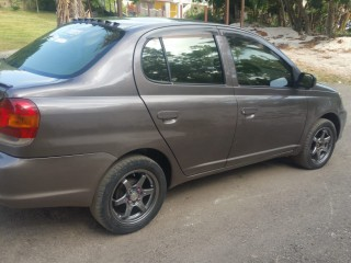 '05 Toyota Platz for sale in Jamaica