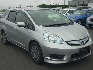 2013 Honda Fit Shuttle hybrid for sale in St. Catherine, Jamaica